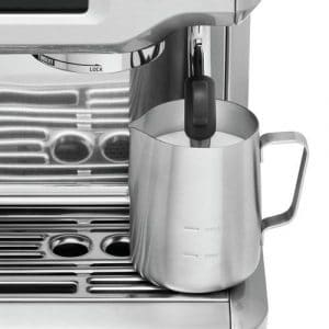 Breville BES880BSS Frothing