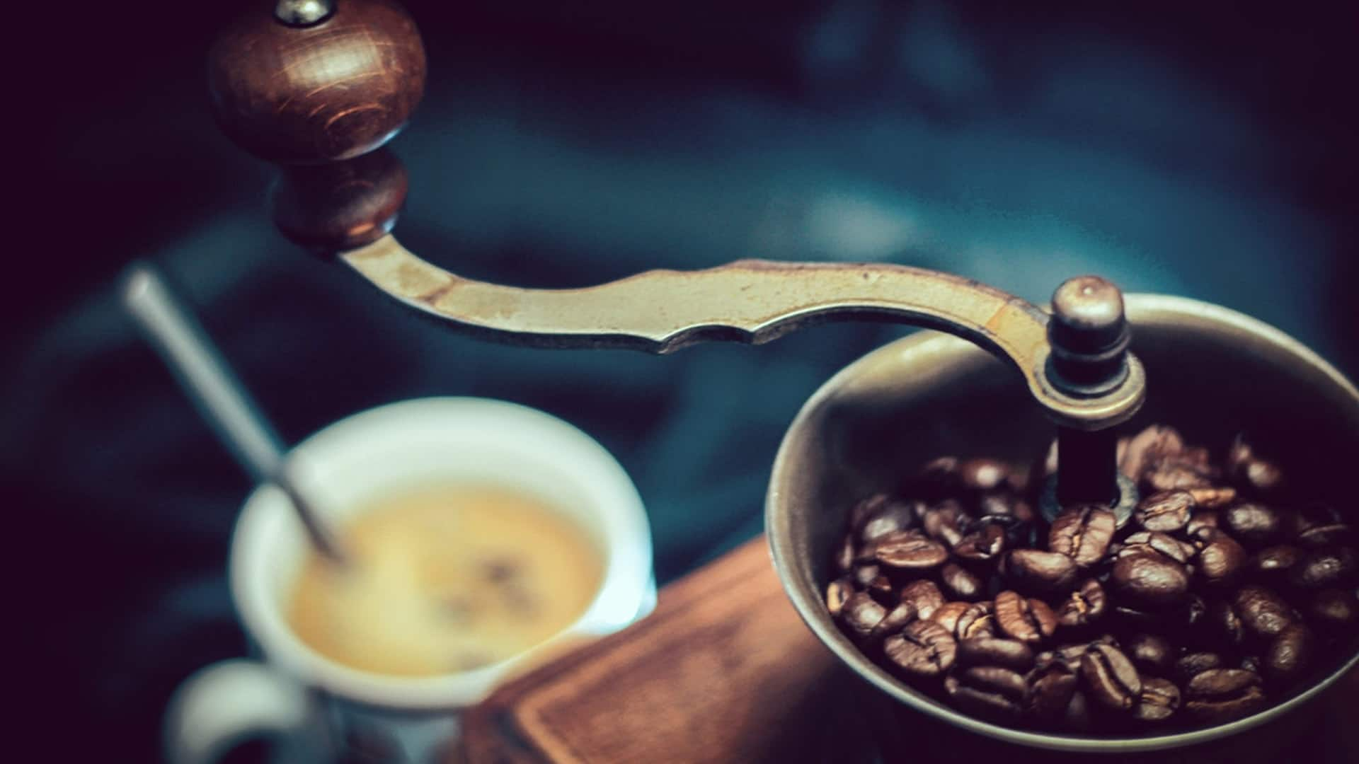 the best coffee maker with grinder